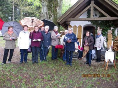 Foto zur Meldung: Feierliche Maiandacht in der Schwabenkapelle