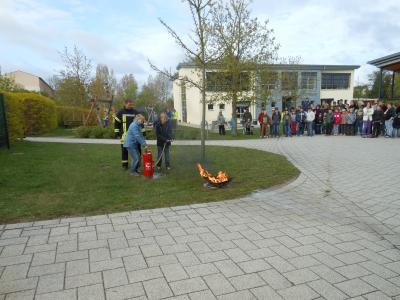 """Foto zur Meldung: Projekttag """"Feuerwehr und Rettung"""""""