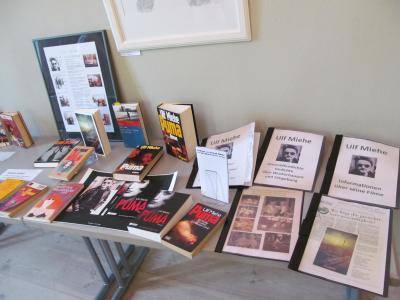 Foto zu Meldung: Ulf-Miehe-Lesung und Gedenktafel-Enthüllung  am 10. Mai 2015 im Alten Laden des Herbst'schen Hauses
