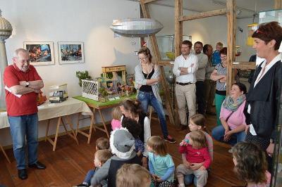 Foto zur Meldung: Sandmann, lieber Sandmann – Ausstellung begeisterte die ersten Besucher