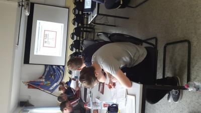Foto zur Meldung: Lehrgang Maschinist im Gerätehaus Roßla
