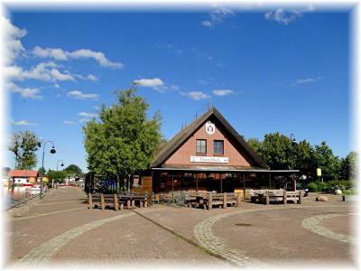 Foto zur Meldung: Peenestadt Neukalen sucht neuen Betreiber für die Gaststätte im Hafengebäude