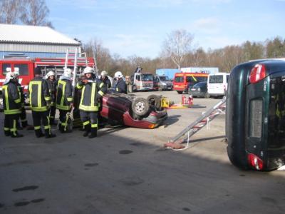 Foto zu Meldung: Verkehrsunfall - Jede Sekunde zählt