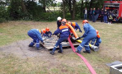 Foto zur Meldung: Ausscheid der Kinder- und Jugendfeuerwehr Roßla in Bösenrode