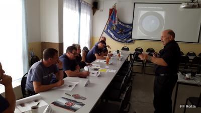 Foto zu Meldung: Ausbildungstag der Drehleitermaschinisten