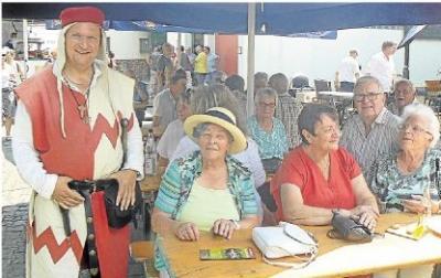 Foto zur Meldung: Ortsgemeinde: Burgschwalbacher feiern stilechtes Fest