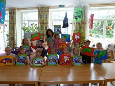 Foto zur Meldung: Große Bilderausstellung des Kindergartens St. Johannes bei der bevorstehenden Feier