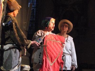 Foto zur Meldung: Theaterwerkstatt Erfurt gastiert mit PARZIVAL in der Stadtkirche