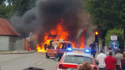 Foto zur Meldung: Brand Traktor und Strohanhänger in Markt Indersdorf