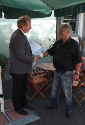 Foto zur Meldung: Werner Helwig wurde als technischer Betriebsleiter des Freizeitbades in den wohlverdienten Ruhestand verabschiedet