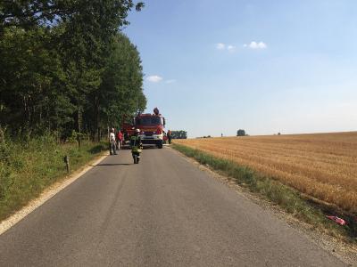 Foto zur Meldung: Brand Stoppelfeld Richtung Asbach - droht überzugreifen