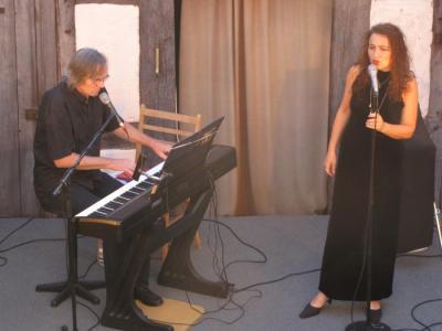 Foto zur Meldung: HOFKONZERT mit Susanne Grütz und Hubertus Schmidt