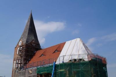 Foto zur Meldung: Dachsanierung des Kirchenschiffes