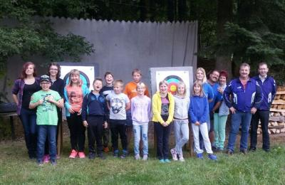 Foto zur Meldung: Ferienprogramm bei den Bergschützen