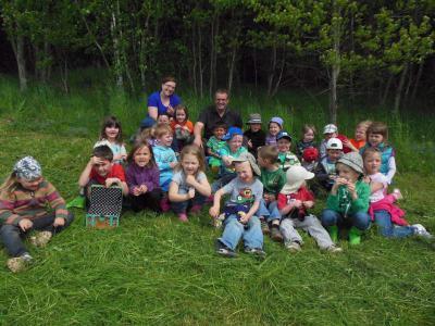 Foto zur Meldung: Der Kindergarten auf Schatzsuche im Wald
