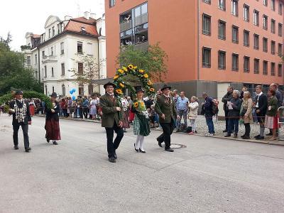 Foto zu Meldung: Moosbacher Bezirksjugendkönigin auf dem Oktoberfest