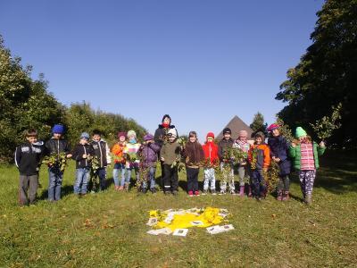 Foto zu Meldung: Heckentag der Klasse 2
