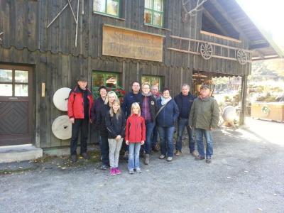 Foto zur Meldung: Herbstwanderung zum historischen Schwellhäusl