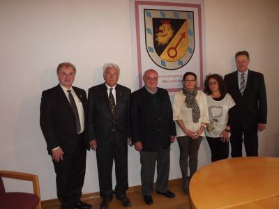 Foto zu Meldung: Fortbestand des Hochwildschutzparkes Hunsrück für weitere 25 Jahre gesichert.