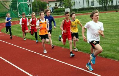 Archivfoto: 800m-Lauf bei der KM im Mehrkampf 2015