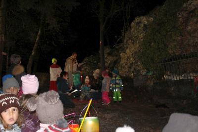 Foto zur Meldung: Stimmungsvolle Martinsfeier unter dem Kalvarienberg