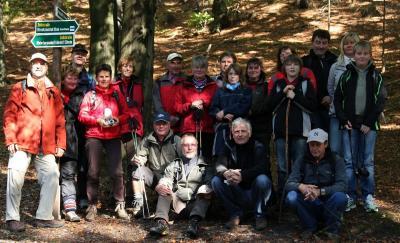 die 19 Teilnehmer der Herbstwanderung 2011