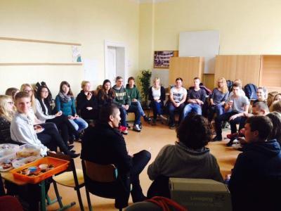 Foto zur Meldung: Flüchtlingsbesuche am von Saldern-Gymnasium