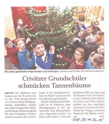 Foto zur Meldung: Tannenbaum schmücken in der Sparkasse Crivitz