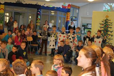 """Foto zur Meldung: """"Der Nussknacker"""" Musikalischer Weihnachts-Workshop in der Grundschule"""
