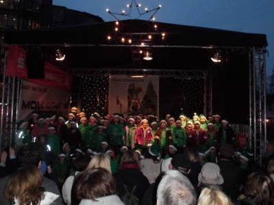 Foto zur Meldung: Auftritt der SingPause auf dem Weihnachtsmarkt Kaarst