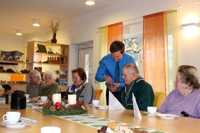 Foto zur Meldung: Weihnachtsfeier In der Tagespflegeeinrichtung von Peter Kuhn