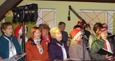 Foto zur Meldung: Weihnachtssingen auf dem Sportplatz 2015