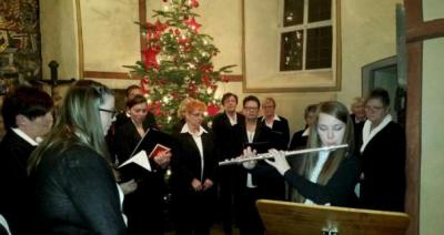 Foto zur Meldung: Frauenchor: Advent in der Dorfkirche