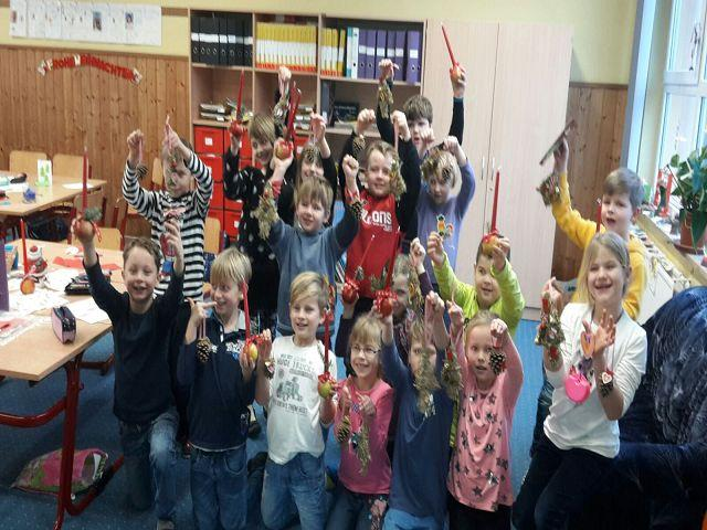 Weihnachtsbasteln 2 Klasse.Grundschule Friedrich De La Motte Fouqué Weihnachtsbasteln Klasse 2b
