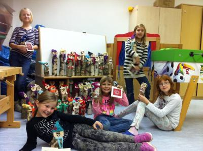 Die Kinder auf dem Foto: Valerie Grau, Amelié Grau, Elisa Scheffel, Magdalena Weise, Fiona Scholz von links nach rechts