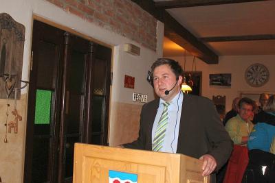 Foto zu Meldung: Bürgerversammlung im zweiten Jahr seiner Amtszeit – an die 100 Bürger sind der Einladung gefolgt