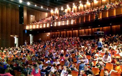 Foto zur Meldung: Theaterfahrt der gesamten Schule