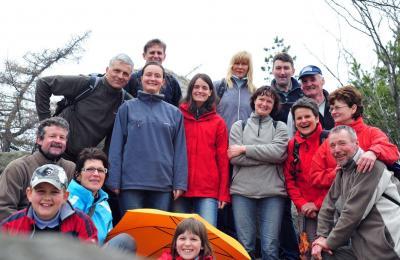 Diese fröhliche Gruppe hatte einen angenehmen Wandertag im Böhmischen bei guten äußeren Bedingungen