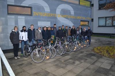 """Foto zur Meldung: Fahrradübergabe des Projekts """"Fahrräder für Flüchtlinge"""""""