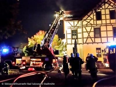 Foto zur Meldung: Wohnhausbrand mit vier Verletzten