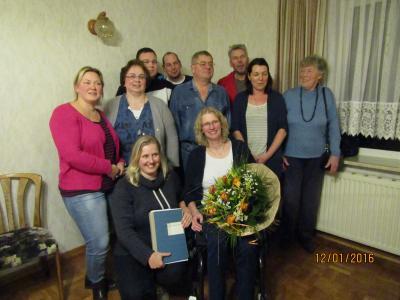 Foto zu Meldung: Nach 30 Jahren löst Inken Klützke ihre Mutter Antje Klützke als Vorsitzende des TuS Tating ab.