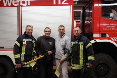 Foto zur Meldung: Ortsansässige Handwerker unterstützen die Eldagser Feuerwehr
