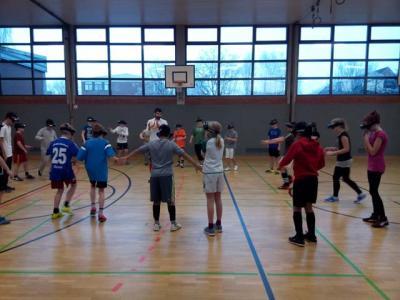 Foto zur Meldung: Blindenfußball macht Schule