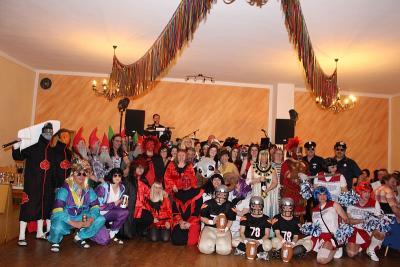 Foto zur Meldung: Ein gelungener Faschingsball mit einfallsreichen Kostümen und Masken