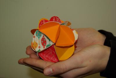 Vorschaubild zur Meldung: Klasse 6B: Les boules de Noël