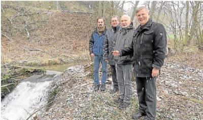 Foto zur Meldung: Ortsgemeinde: Altes Wehr wird neue raue Rampe
