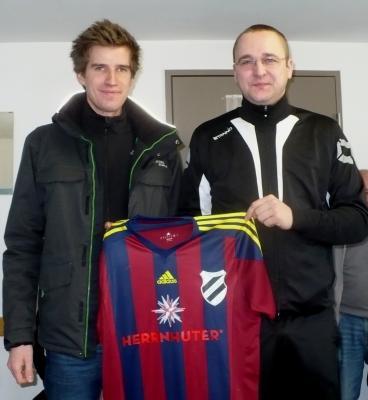 Foto zur Meldung: Neue Spielkleidung für Fußballmännermannschaft