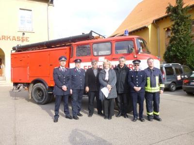 Foto zur Meldung: Ortswehr Friedrichsaue hilft Kameraden aus Endorf