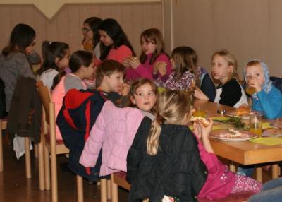 """Foto zur Meldung: Schnupperprobe für das Kindermusical """"Ausgetickt"""" mit Hamburgeressen"""