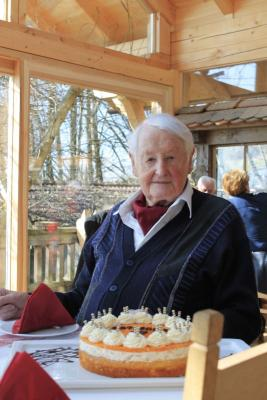 Foto zu Meldung: Prackenbach´s ältester Gemeindebürger feierte sein 97. Wiegenfest
